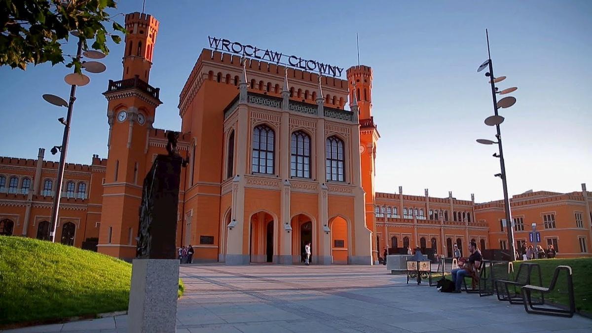 Dworzec PKP weWrocławiu. Fot.domena publiczna