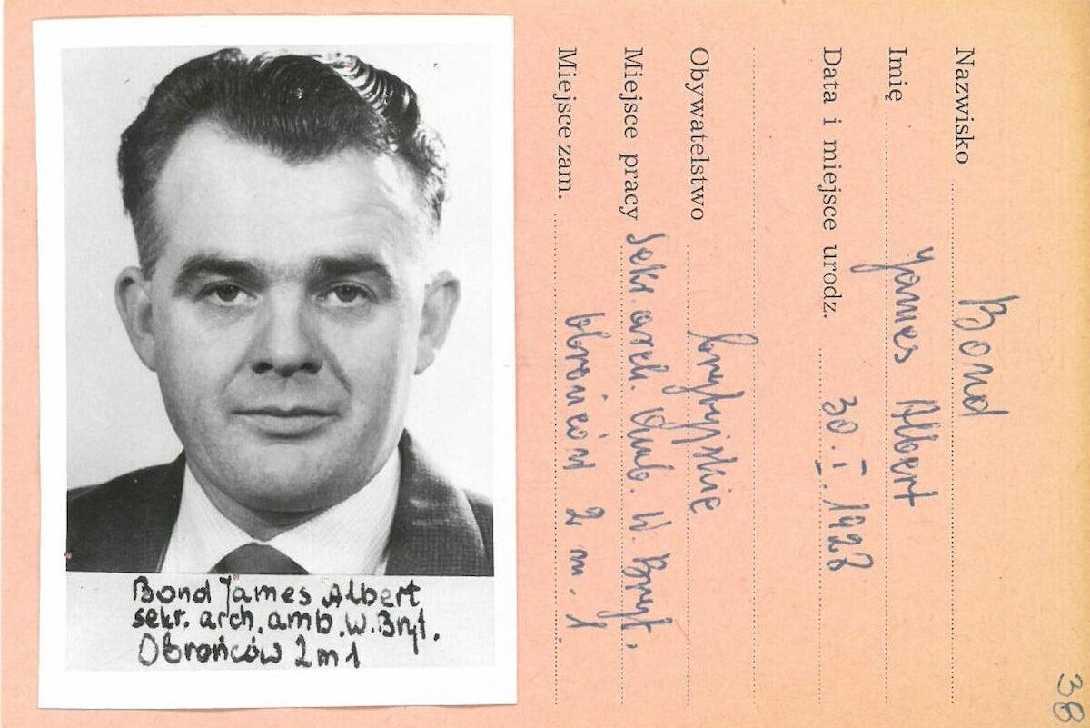 Dokumenty Jamesa Bonda. Fot.IPN